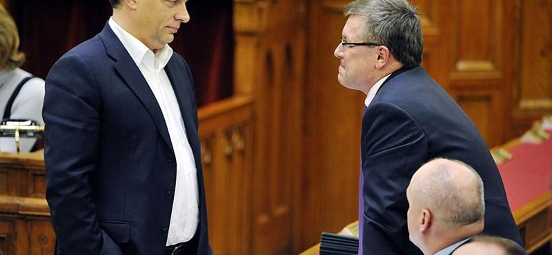 Átment a büdzsé, törvényt sértett a parlament