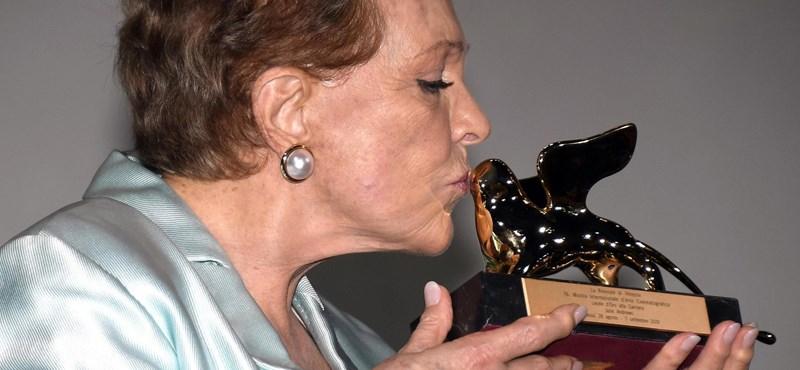 Julie Andrews életműdíjat kapott Velencében