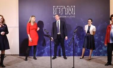 A helyettes államtitkártól kaptak dalt az ITM dolgozói