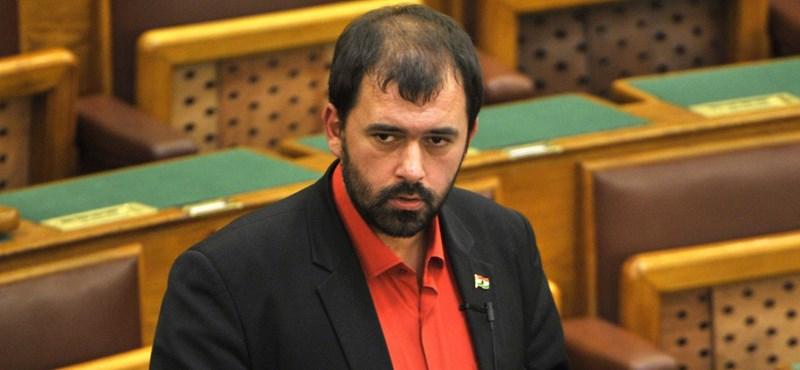Lemondott a zsidózó Szávay a Jobbik frakcióvezető-helyettesi tisztségéről