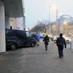 Mentő karambolozott a Váci úton Budapesten, nagy a dugó