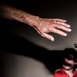 Vádat emeltek egy zalai férfi ellen, aki éveken keresztül szexuálisan zaklatott egy kislányt