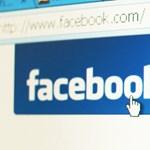 Melltartó nélkül pózolt a Facebookon egy általános iskolai tanárnő