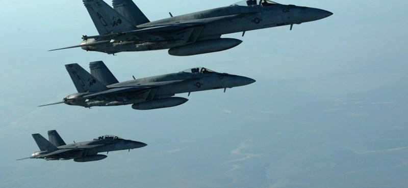 Az USA és Dél-Korea is erőt fitogtatott