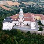 Megújul a bazilika Pannonhalmán
