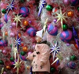 Karácsonyra készül a világ - Nagyítás