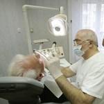 Benyújtották: megemelnék az ingyenes fogászat korhatárát
