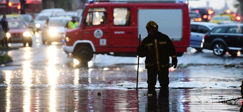 Kétmilliárdos kárt okoztak a viharok két hét alatt