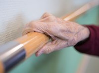 Koronavírusos egy érdi idősotthon lakója, 90 ember van karanténban