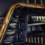 Józsefvárosi lépcsőházban próbált megerőszakolni egy nőt egy férfi