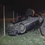 Itt a videó a 86-oson felborult trélerről - Lexus, Audi, Volvo szanaszét