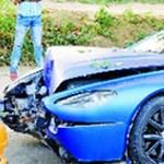 Egy kutya miatt törte össze 485 ezer dollárt érő Aston Martinját