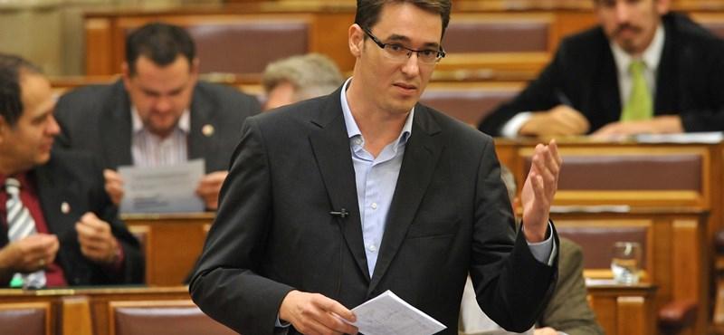 """""""Gyalázatos döntést hozott a Médiatanács"""" - kiakadt az LMP"""