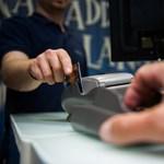 Kaphatunk-e kártérítést, ha nem tudjuk használni a bankkártyát?
