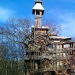 10 emeletes ház a lombkorona között - gigantikus tákolmány (fotókkal)