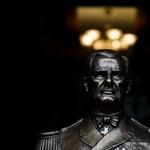 P. Szűcs: A szakralizált nacionalista emlékműveké lesz a jövő, ha nem vigyázunk