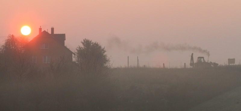 Mérgező füstködben úszik a vidék