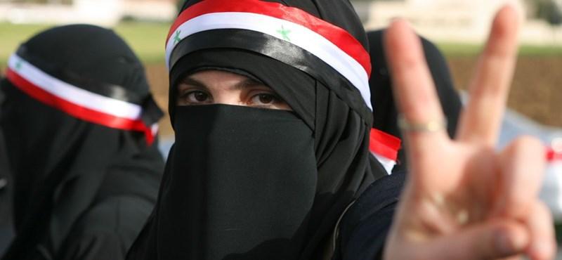 Szíria: Aszad aláírta a szükségállapot megszüntetését