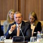 Benkő Tibor az alapokról építene új honvédséget, míg Németh Szilárd politizál