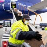Orvosi eszközöket szállító repülő érkezett Kínából Budapestre