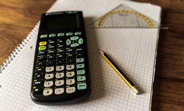 Érettségi gyorstalpaló matekból: most megoldhattok 100 feladatot segítséggel