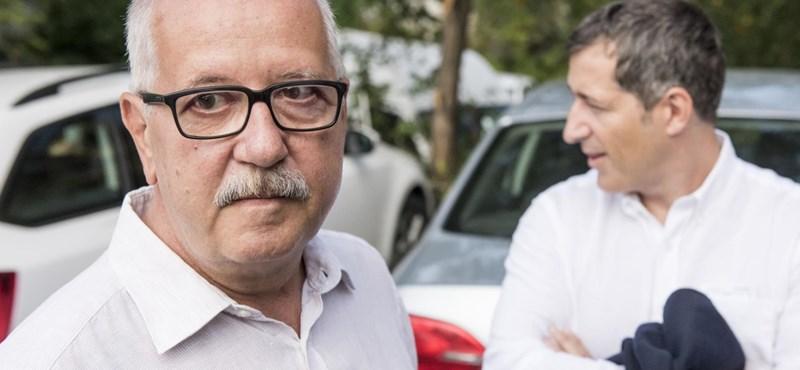 Kormányzat: A print médiakultúra megmentése érdekében kellett átminősíteni a fideszes médiabirodalmat