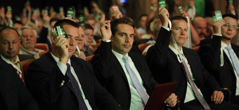 Félszáz fővel megalakult a Jobbik Nyugdíjas Tagozata