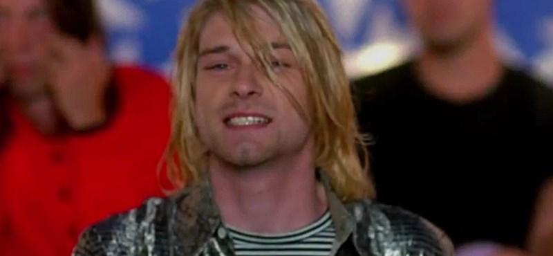 Akar abba a mikrofonba énekelni, amelyikbe Kurt Cobain?