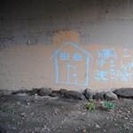 Street art percek: Banksy vandálságra neveli a kiskorúakat?