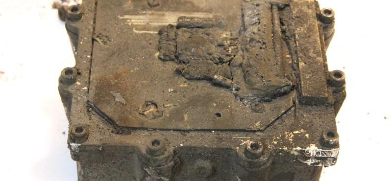 Germanwings: Kicsomagolták a második fekete dobozt – fotók