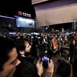 Elítélték a Terror Házát megdobáló tüntetőt - 10 ezres kár, 720 ezres büntetés