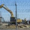 Már építik a konténerkórházat Kiskunhalason – fotók