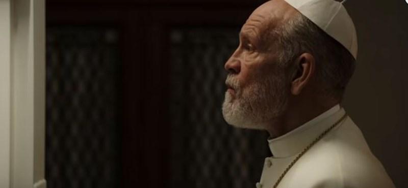 Elég erős új előzetest kapott Az ifjú pápa folytatása