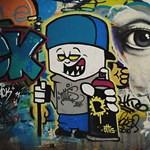 Levakarták a Mikulások a graffitit a Lánchídról