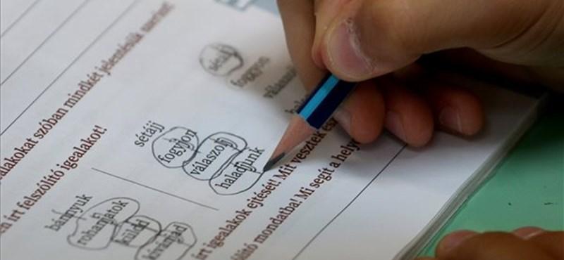 Nyolc osztályában álltak át digitális tanrendre a budapesti Kölcsey Ferenc Gimnáziumban