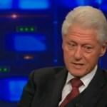 Bill Clinton felháborodva tagadta, hogy lánya esküvőjét az alapítványuk fizette volna