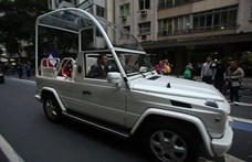 Soron kívül kellett rendszámot szerezni a pápa Daciájára Romániában