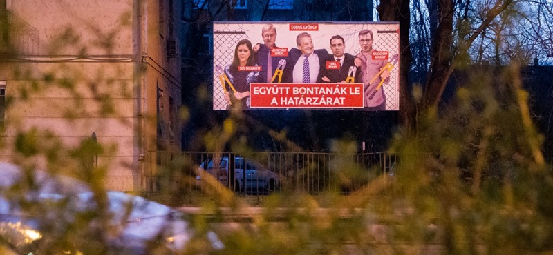 Fidesz-közeli cég füttyentésére pitizhetnek plakáthelyekért az ellenzéki pártok