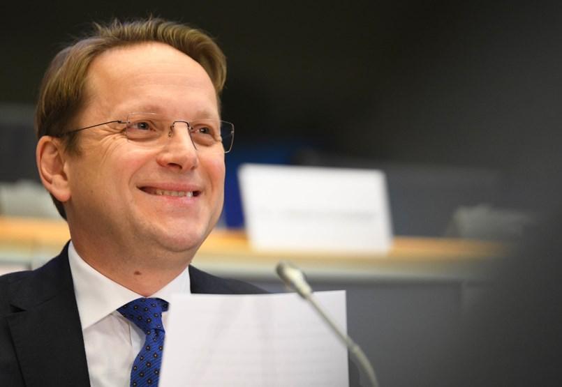 Várhelyi Olivér: Most nem vennék fel Magyarországot az Európai Unióba