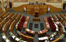 A szájkosár előtt az ellenzék összehozta minden idők második leghosszabb parlamenti ülésnapját