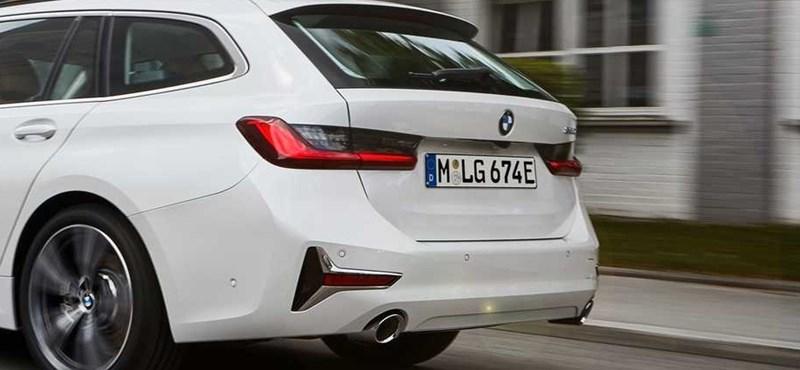 Zöld rendszámos puttonyos: megjött a BMW első plugin hibrid kombija