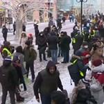 Flashmobbal tiltakoztak Navalnij támogatói Moszkvában