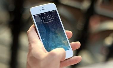 Korlátoznák a telefonok használatát az új tanévtől az orosz iskolákban