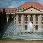 Visszapattantak az oktatók, eddig nem indult etikai eljárás a debreceni rektor ellen