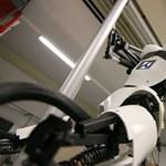 Videón a rúdtáncos robot