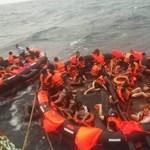 Turistákkal teli csónakok borultak fel Phuketnél, többen eltűntek
