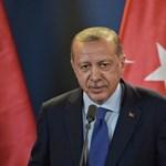 Török újságírókra kiszabott életfogytiglani ítéleteket helyezett hatályon kívül a Legfelsőbb Bíróság