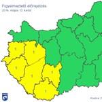Jön a durva esőzóna - több megyére figyelmeztetést adtak ki