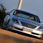 Használt autó: Audi A8 vagy Lexus LS?