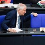 Távozásra szólította fel Horst Seehofert pártja, a CSU tiszteletbeli elnöke